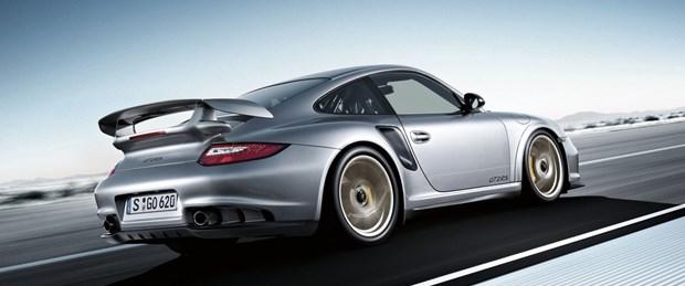 Porsche yeni bir süper otomobil düşünüyor