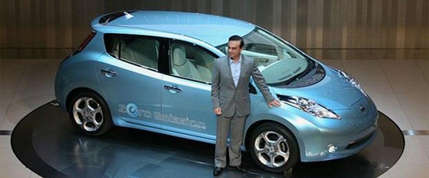Renault-Nissan başkanı Carlos Ghosn 2012 yılına kadar 500.000 elektrikli otomobil satma planını savunuyor