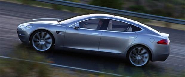 Tesla tam gaz...