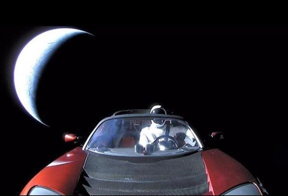 Elon Musk, geçtiğimiz hafta Tesla otomobili Space X roketiyle uzaya göndermişti.