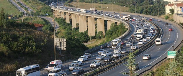 trafik-dha41_8563023.jpg
