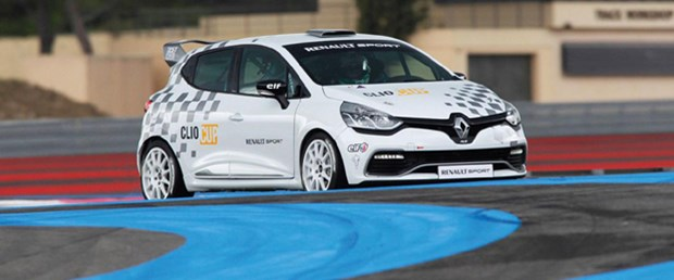 'Yarışçı' Renault Clio
