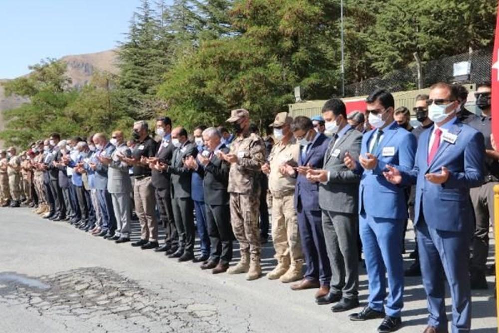 Şehit askerler için tören - 9