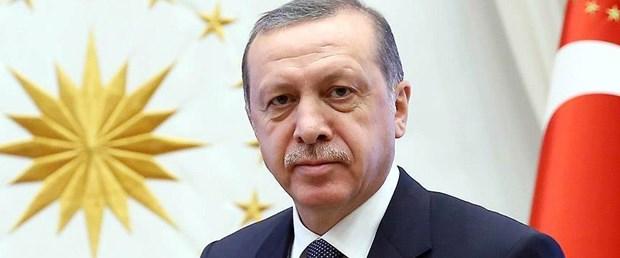 Cumhurbaşkanı Erdoğan GÜLÜYOR ile ilgili görsel sonucu