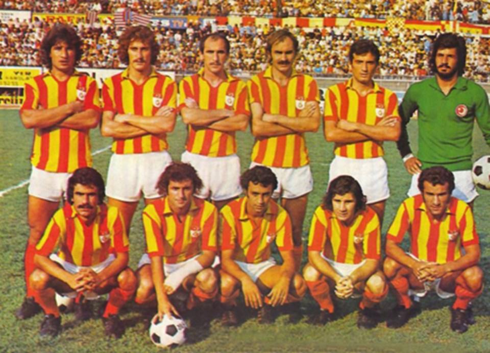 Metin Kurt, oturanlardan en sağdaki