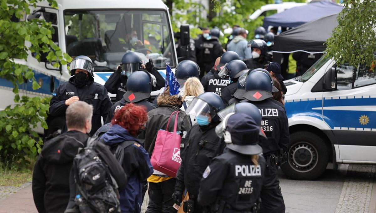 Almanya'da Covid-19 önlemleri protestosu: 200'ü aşkın gözaltı