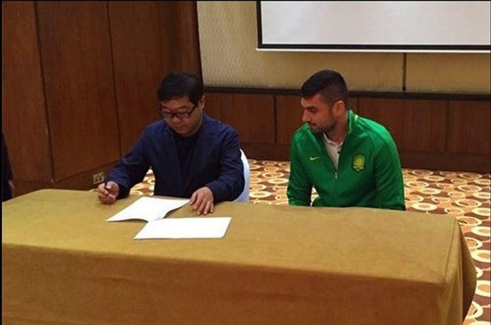 Burak, Çin kulübünden bonuslarla birlikte yıllık yaklaşık 6 milyon euro kazanacak.