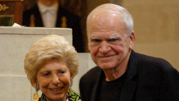 Ünlü yazar Milan Kundera'ya vatandaşlığı 40 yıl sonra iade edildi