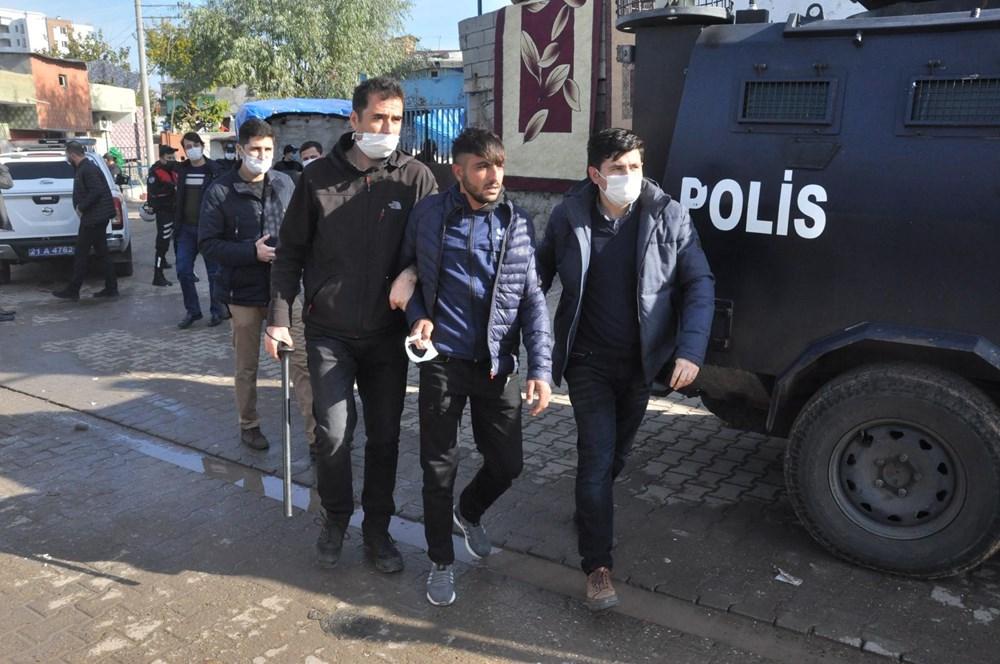 Diyarbakır'da kısıtlama gününde ortalık savaş alanına döndü: 20 yaralı - 8