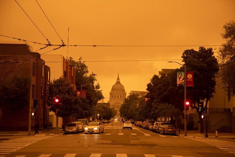 ABD'de yangınlar beş kasabayı yok etti (Gökyüzü turuncu renge boyandı) - 7