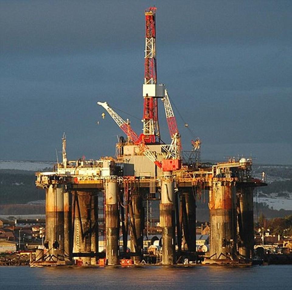 İngiltere'nin Falkland Adaları yakınlarındaki petrol arama tesisleri.