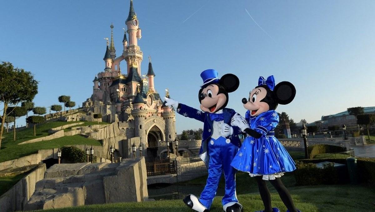 Disneyland'dan bir mozaik parçası açık artırmada 363 bin dolara satıldı