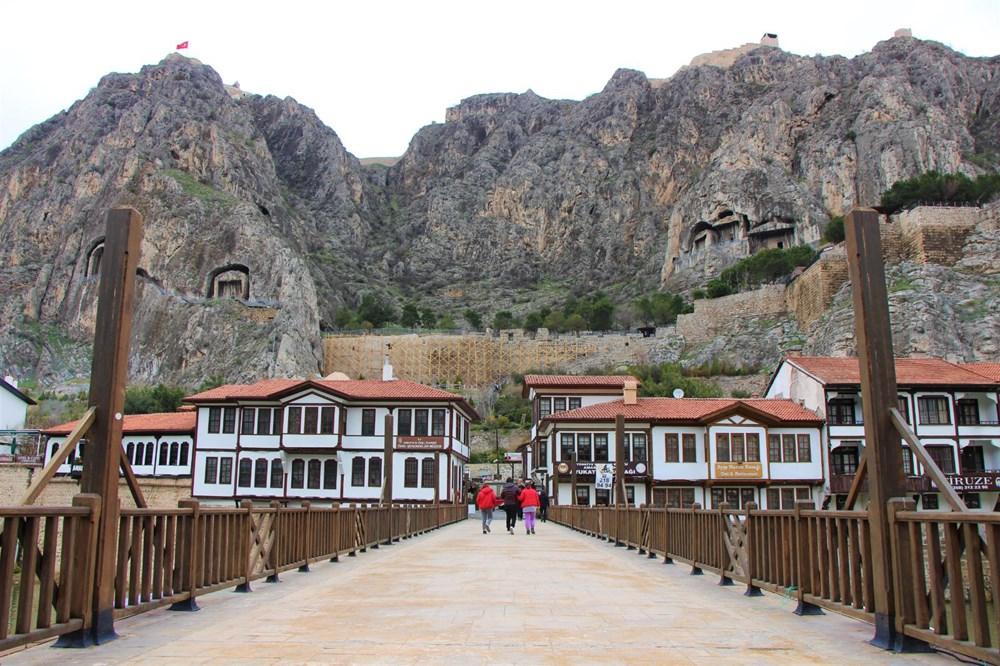 Amasya'da 2 bin 400 yıllık surlar restore ediliyor - 4
