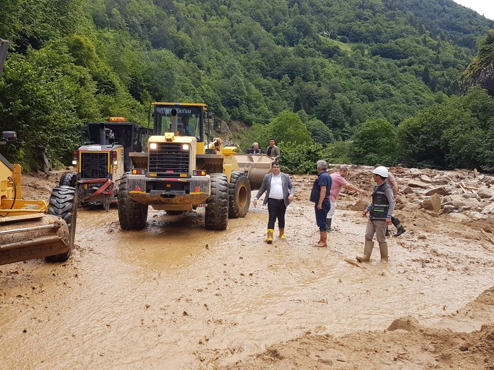 Şiddetli yağış Rize'yi de vurdu: 2 can kaybı - 24