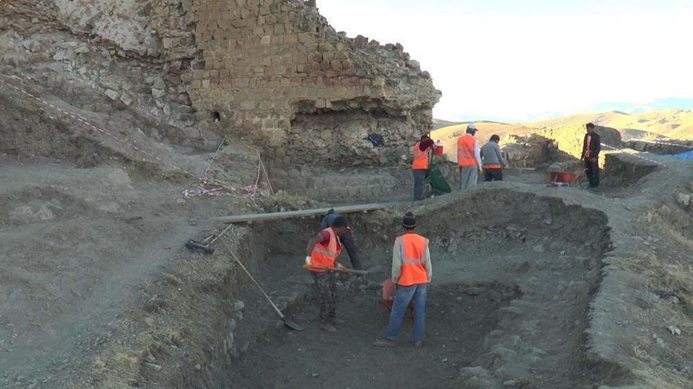 Bayburt Kalesi'nde tarihi kalıntı ve eserlere ulaşıldı - 4
