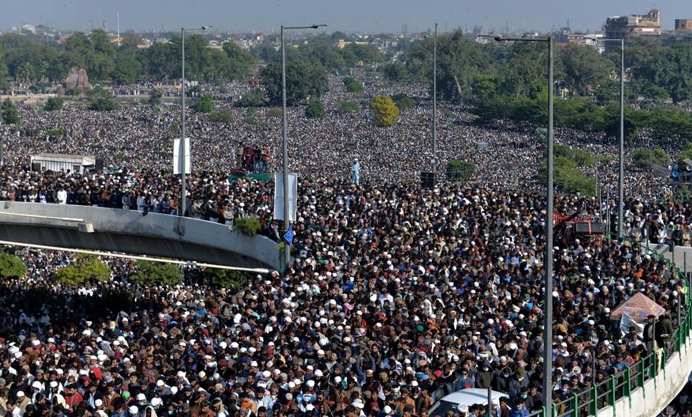 Pakistan'da on binler cenazeye katıldı - 13