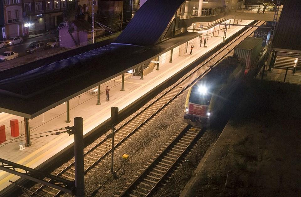 2 kıta, 2 deniz ve 10 ülkeden geçip Türkiye'ye gelen yük treni, Marmaray tüp geçidinde