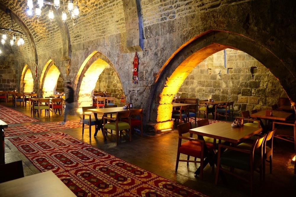 Bitlis'te 5 asırlık han ziyaretçilerini zamanda yolculuğa çıkarıyor - 4