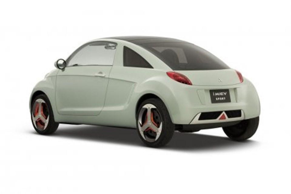 "MiEV, ""Mitsubishi innovative Electric Vehicle""ın (Mitsubishi yenilikçi Elektrikli Otomobil) kısaltması olarak kullanılıyor."