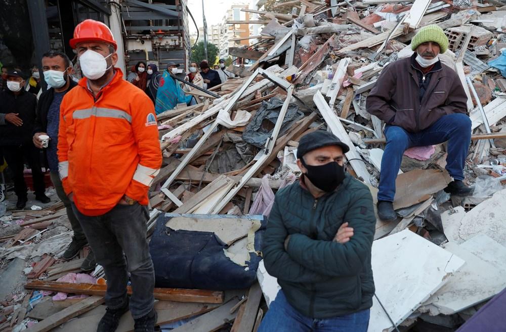 Depremzedeler için 'insanlık zinciri' - 1