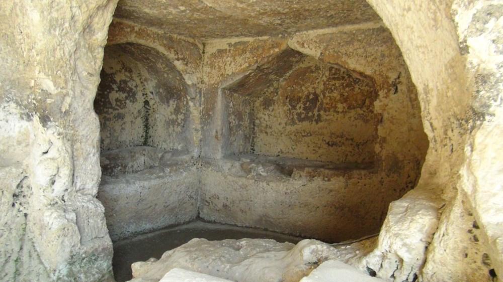 Şanlıurfa'da 2 bin yıllık tarihi kaya mezarları ziyarete açıldı - 9