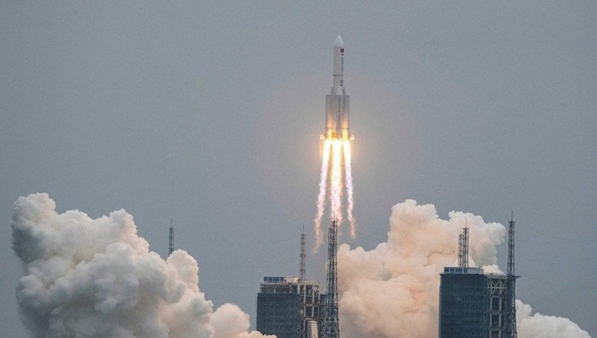 Çin roketi yörüngeden çıktı: Yerleşim yerlerine düşme ihtimali kaç?