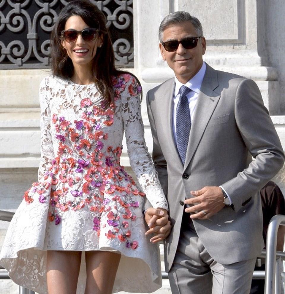 Hollywood'un müzmin bekarı George Clooney ve Lübnan asıllı insan hakları avukatı olan Amal Clooney ile 2014 yılında İtalya'nın Venedik kentinde dünyaevine girmişti.