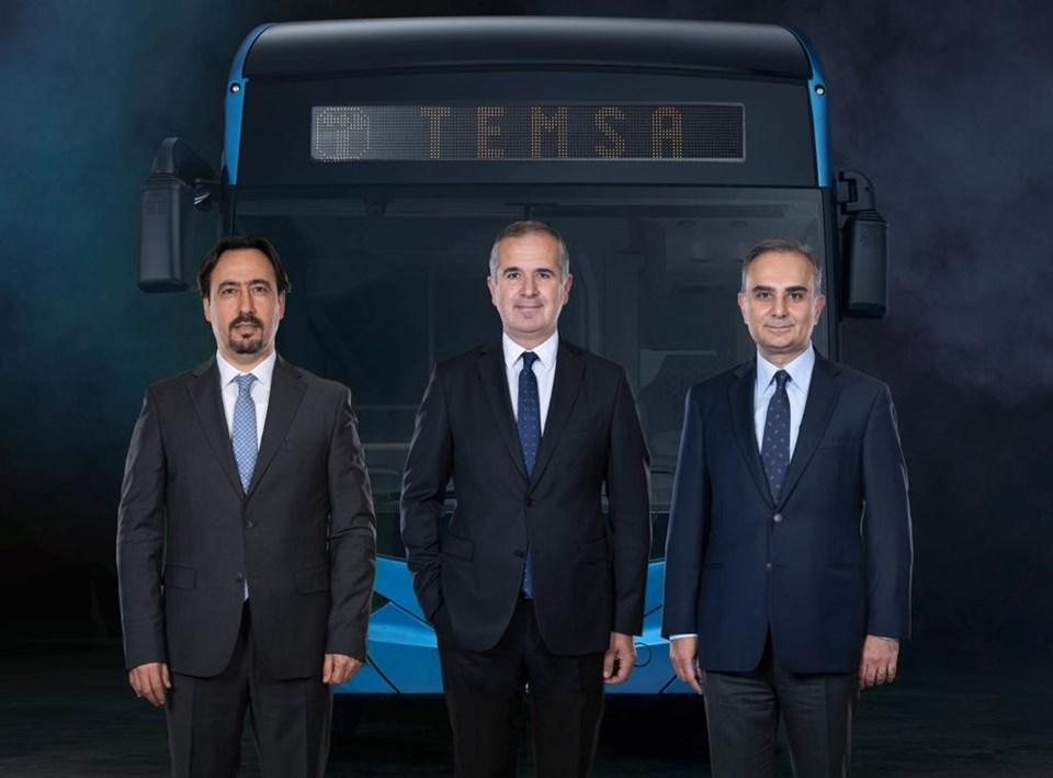 Temsa'nın yeni CEO'suTolga Kaan Doğancıoğlu,Sabancı Holding CEO'su Cenk Alper vePPF Group Yatırım Direktörü Ladislav Chvátal (soldan sağa)