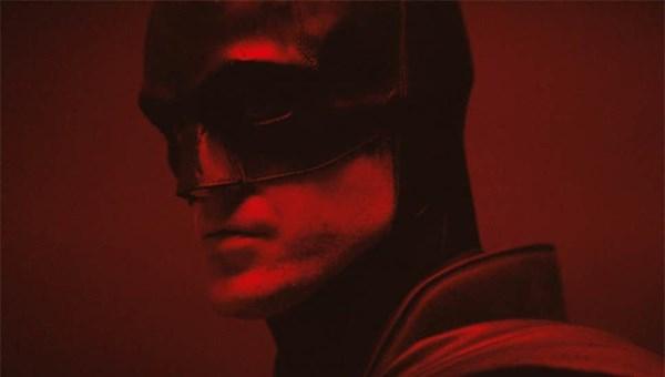 Robert Pattinson'ın Batman kostümüyle ilk görüntüsü yayınlandı