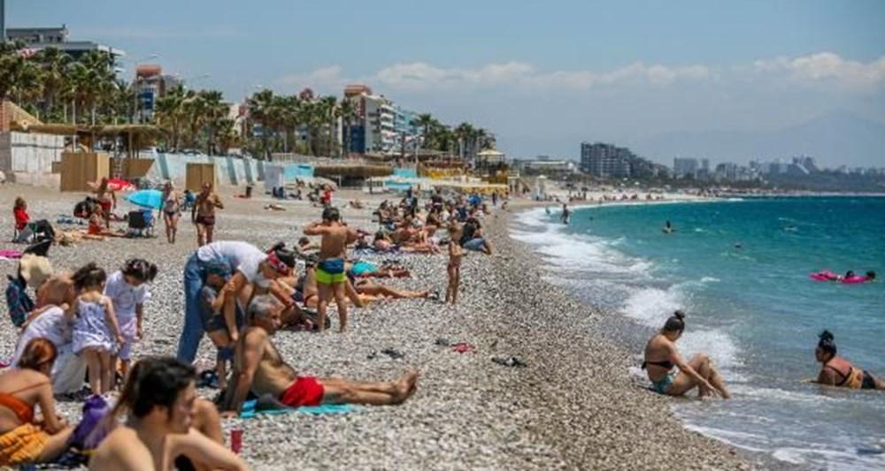 Tam kapanma bitti: Antalyalılar sahile akın etti - 4