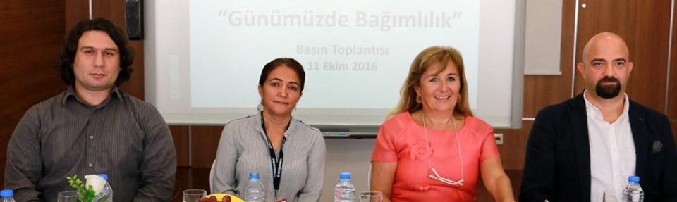 Yrd. Doç. Dr. Alptekin Çetin, Doç. Dr. Gül Eryılmaz, Prof. Dr. Nesrin Dilbaz, Yrd. Doç. Dr. Cemal Onur Noyan