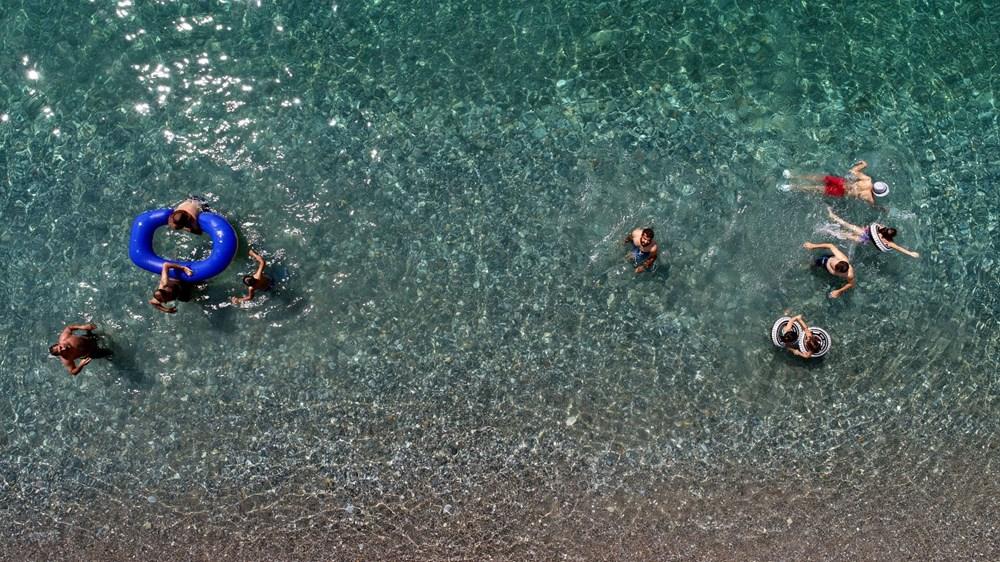 Van Gölü'nün mavi bayraklı plajına tatilci akını - 2