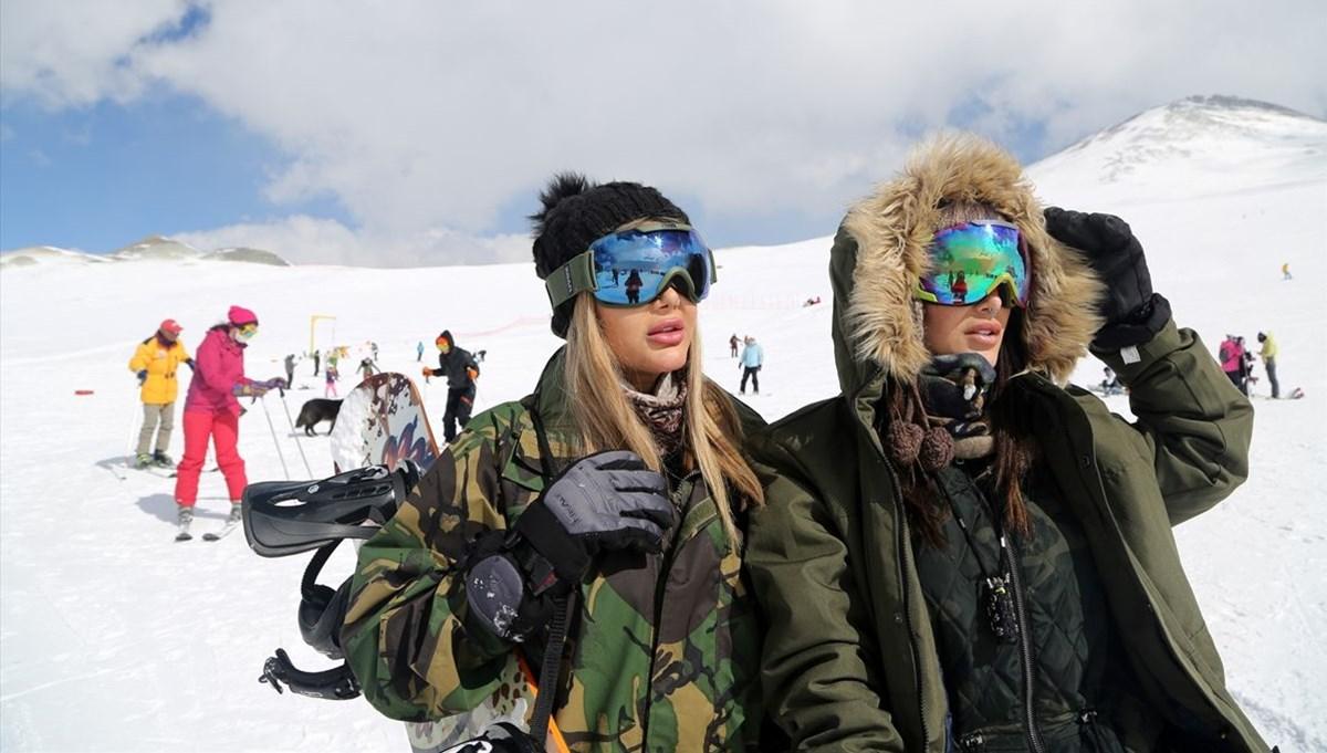 İran'da kayak merkezleri doldu taştı