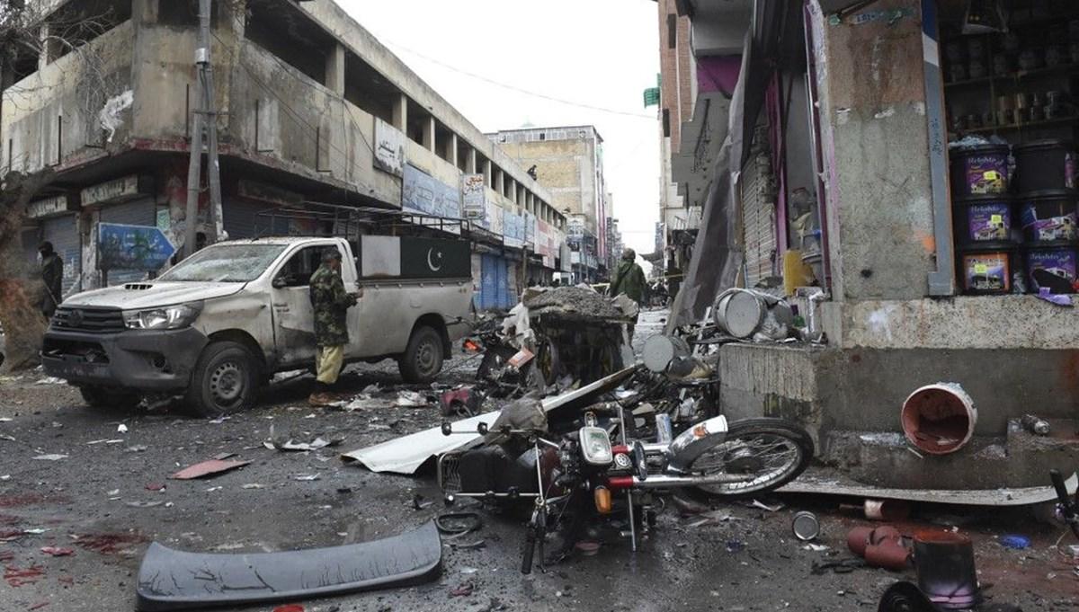 Pakistan'da operasyon düzenleyen askerlere saldırı