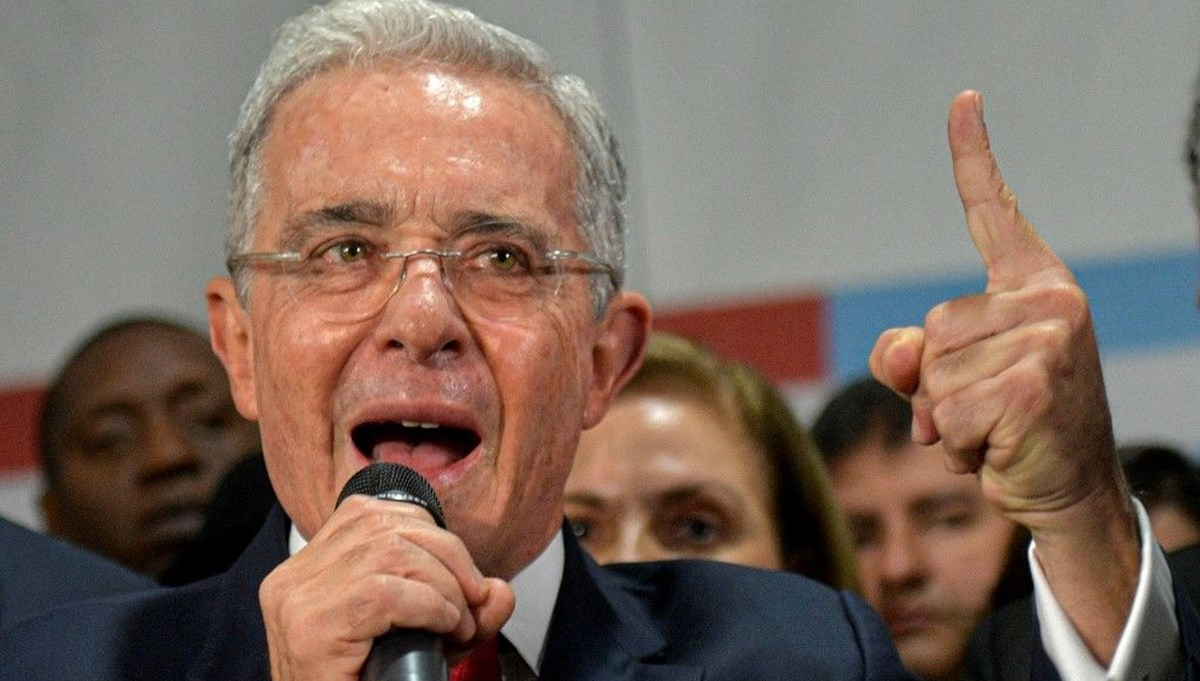 Kolombiya'da eski devlet başkanı Uribe serbest