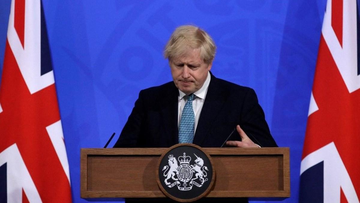 Boris Johnson, Müslüman kadınlara yönelik geçmişteki ifadelerinden ötürü üzgün olduğunu belirtti