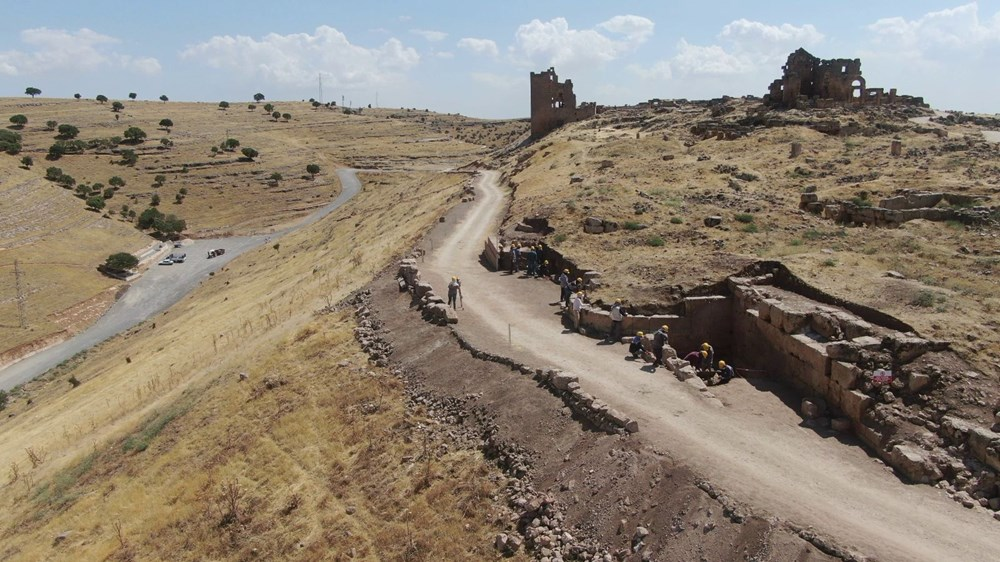 Zerzevan Kalesi'nin 1800 yıllık girişi bulundu - 2