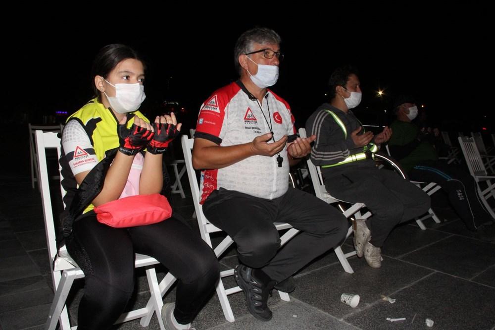 17 Ağustos depreminin 21. yılı: Hayatını kaybedenler törenle anıldı - 5