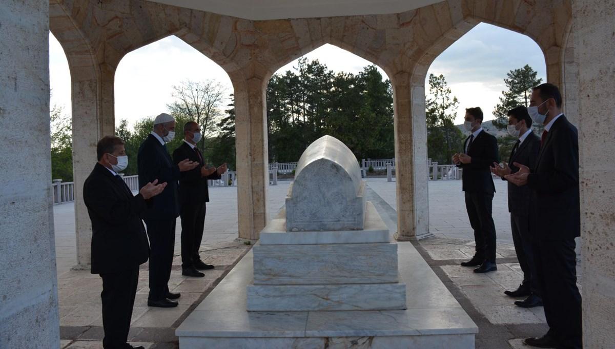 Halk Ozanı Yunus Emre, ölümünün 700'üncü yıl dönümünde kabri başında anıldı