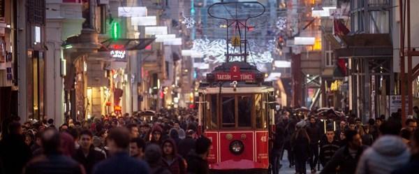 İstiklal Caddesi eski günlerine mi döndü? (Boş dükkan yok)
