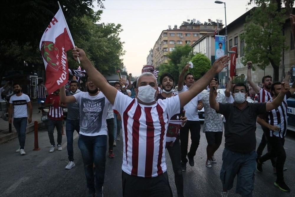 Hatayspor'un şampiyonluğu kentte büyük bir coşkuyla kutlanıyor - 5