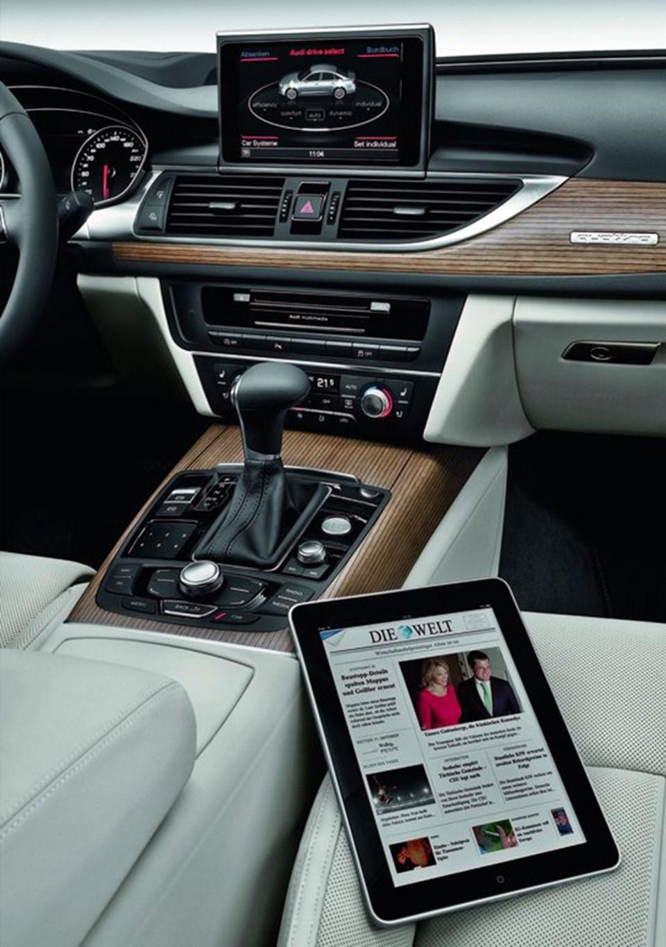 Araç içindeki kablosuz ağ ile iPad kullanmak mümkün.