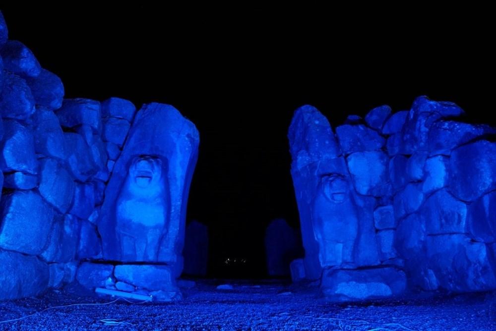 Kültür varlıkları maviye büründü - 7