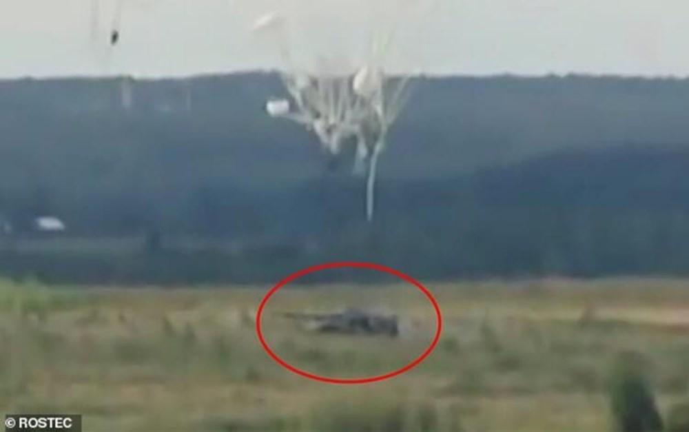 Karadeniz'de uçan tank: İçindeki askerlerle iniş yapıp, ateş etti - 20