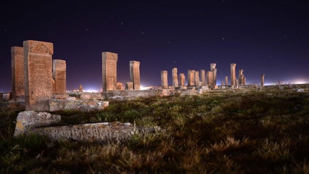 Dünyanın en büyük Türk-İslam mezarlığı: Ahlat Selçuklu Meydan Mezarlığı - 8