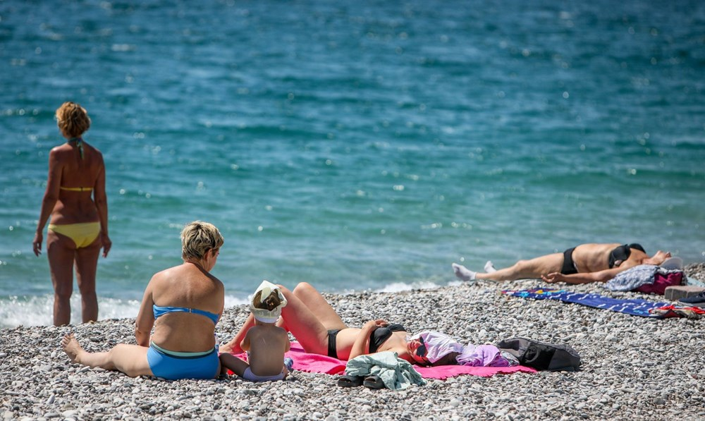 Kısıtlamadan muaf turistlerin deniz keyfi - 10