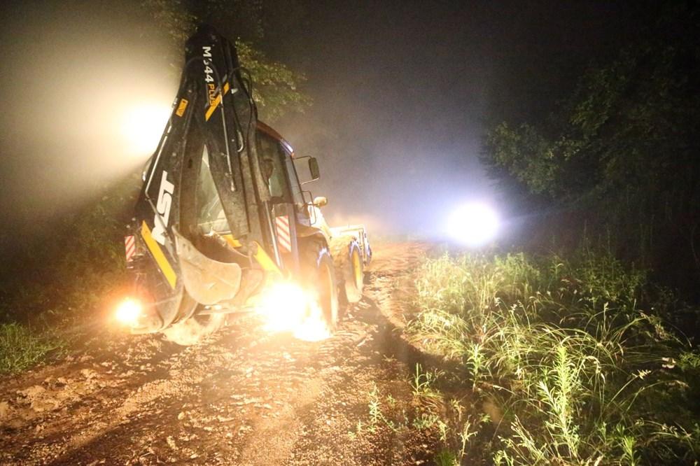Düzce'de dere taştı, yol çöktü: Kentte sağanak etkili oldu - 9