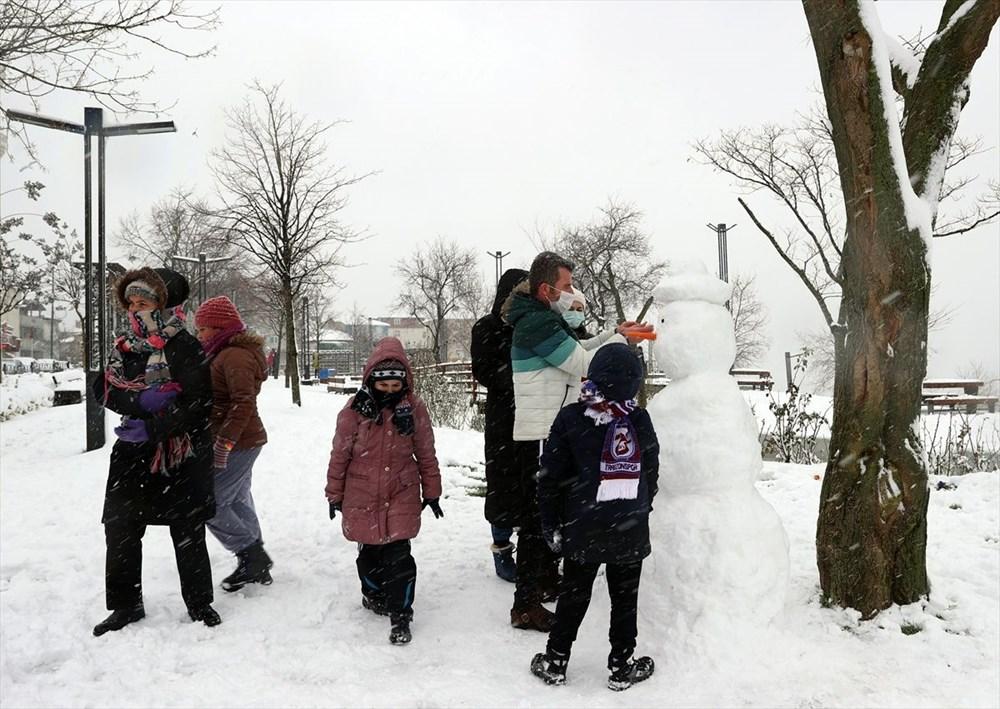 İstanbul'da kar yağışı devam ediyor - 9