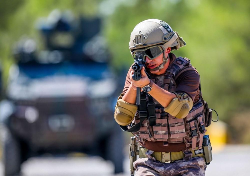 Özel Harekat'tan 35 derece sıcakta zorlu eğitim: Yerli silah 'Çılgın kız' dikkat çekti - 22
