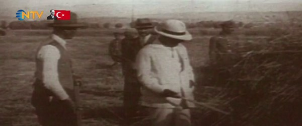 Atatürk kıyafetleriyle de öncü bir liderdi